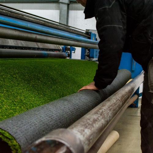 GardenGrass Nederland | Kunstgras snijden op machine